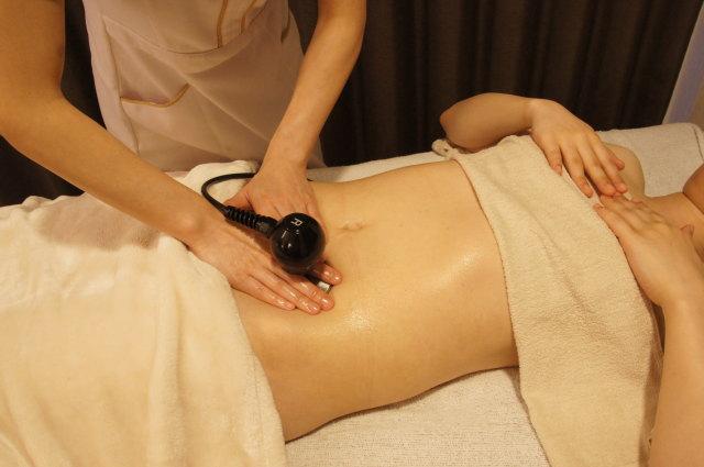 女性の冷え対策に、体内から発熱する不思議感覚コアヒートを推奨